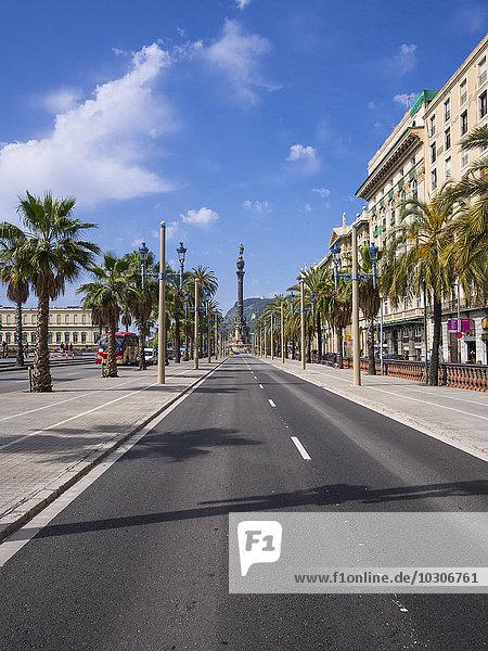 Spanien,  Barcelona,  Passeig de Colom mit Blick auf Columbus-Säule