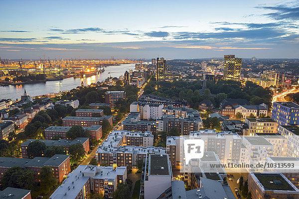Deutschland  Hamburg  Stadtbild am Abend