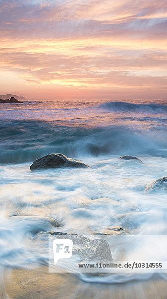 Spanien  Katalonien  Blanes  Costa Brava bei Sonnenuntergang