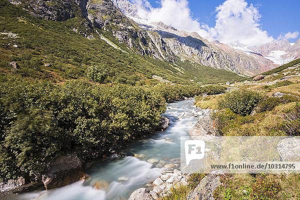 Schweiz  Kanton Uri  Göscheneralp  Chelenalp-Tal  Bergbach Chelenreuss