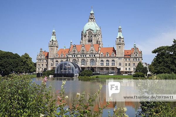 Deutschland  Niedersachsen  Hannover  Neues Rathaus mit Maschteich