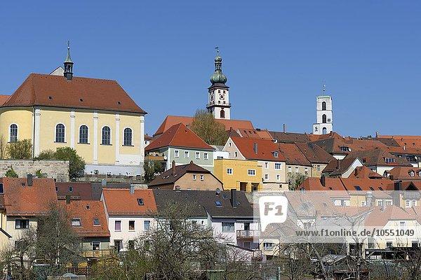 Stadtansicht Sulzbach-Rosenberg mit Schloss  Oberpfalz  Bayern  Deutschland  Europa
