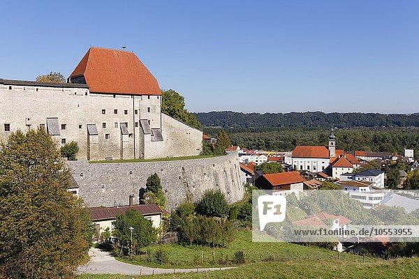 Burg Tittmoning  Rupertiwinkel  Oberbayern  Bayern  Deutschland  Europa
