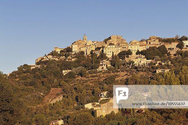 Gordes  Provence  Provence-Alpes-Cote d'Azur  Südfrankreich  Frankreich  Europa