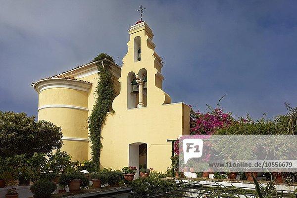 Glocken im Glockenturm  Kirche  Kloster Panagia Theotókos tis Paleokastritsas  auch Panagia Theotokos  Paläokastritsa  Insel Korfu  Ionische Inseln  Griechenland  Europa