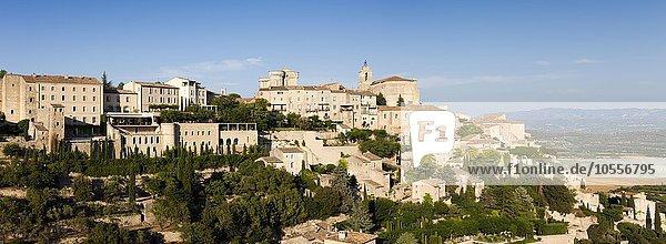 Cityscape of Gordes  Vaucluse  Provence  France  Europe
