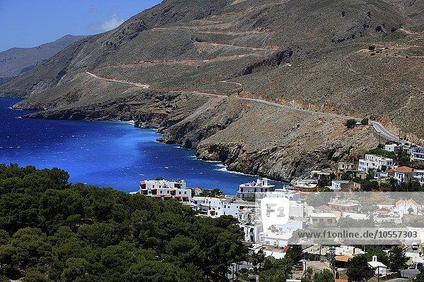 Bucht mit Ortschaft Chora Sfakion  Kreta  Griechenland  Europa