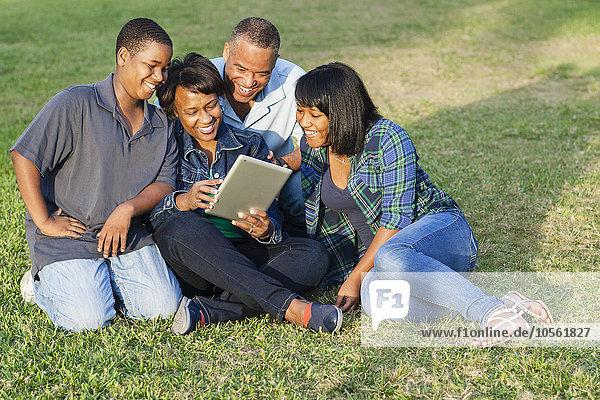 benutzen amerikanisch Tablet PC Gras