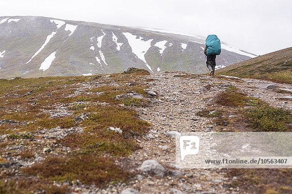 Berg gehen Weg Rucksackurlaub