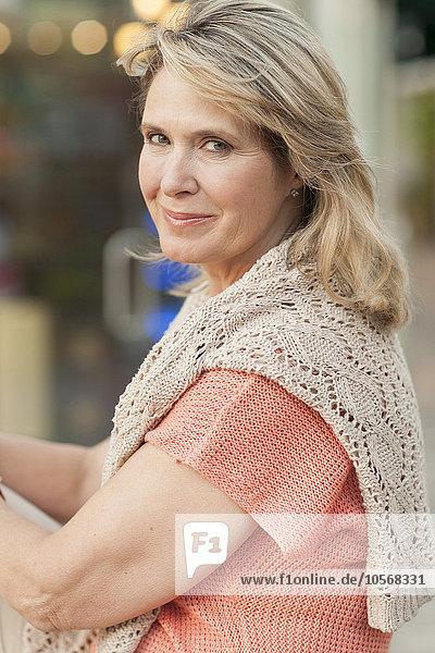 Europäer Frau lächeln Close-up close-ups close up close ups