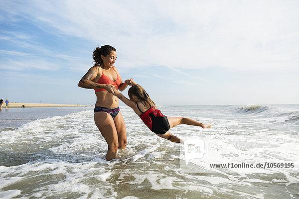 Strand Tochter Mutter - Mensch spielen