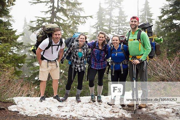 Gruppe von Freunden auf Wanderung  Lake Blanco  Washington  USA