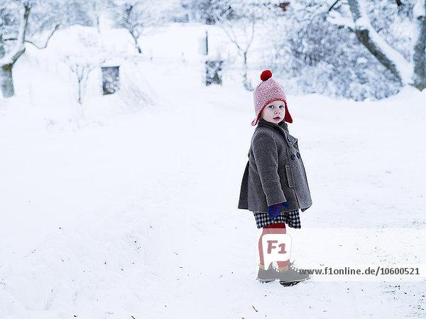 Portrait Mädchen Schnee