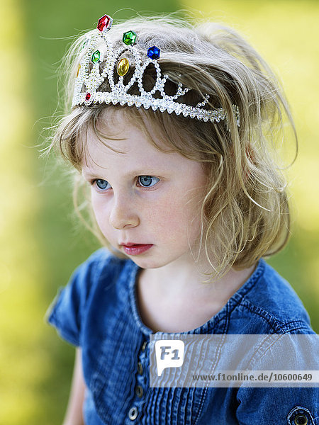 Portrait Kleidung Mädchen Krone