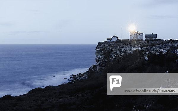 beleuchtet Steilküste Leuchtturm