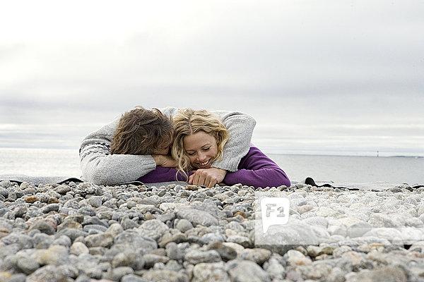 liegend liegen liegt liegendes liegender liegende daliegen Strand