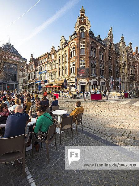 Belgien  Flandern  Gent  Vrijdag Markt  Straßencafé