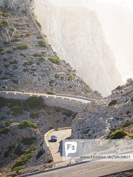 Spanien  Mallorca  Cap Formentor  Autofahren auf Bergstraße