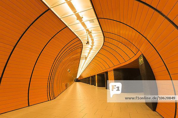 Deutschland  München  Innenansicht U-Bahnhof Marienplatz