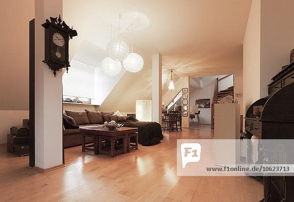 Appartement mit Wohnzimmer  Essbereich und Arbeitsbereich