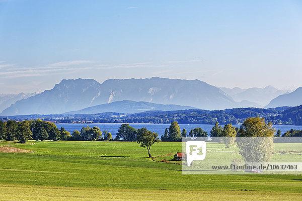 Germany  Upper Bavaria  Lake Waginger See with Untersberg