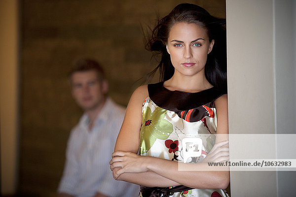 Porträt einer attraktiven jungen Frau Porträt einer attraktiven jungen Frau