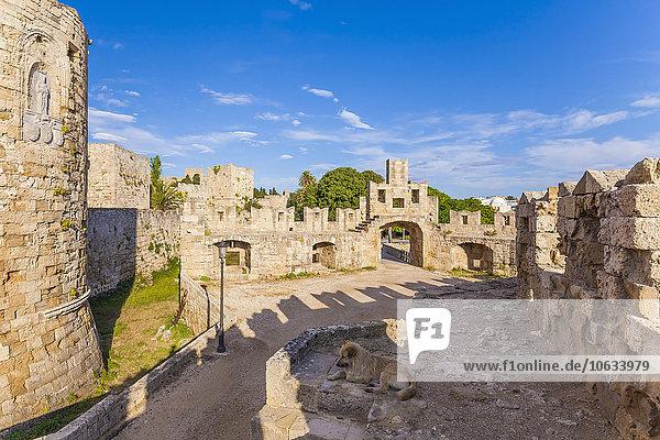 Griechenland  Rhodos  Altstadt  Stadtmauer und Paulsbastion