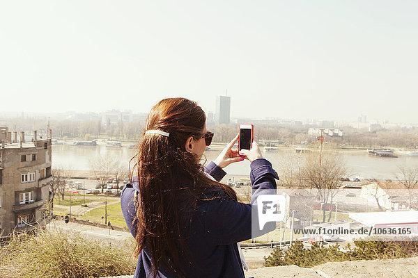 Stadtansicht Stadtansichten junge Frau junge Frauen durchsichtig transparent transparente transparentes Himmel fotografieren Rückansicht Ansicht Stadtansicht,Stadtansichten,junge Frau,junge Frauen,durchsichtig,transparent,transparente,transparentes,Himmel,fotografieren,Rückansicht,Ansicht