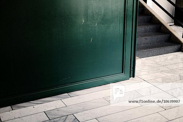 Fliesenboden Boden Fußboden Fußböden Treppenhaus Fliesenboden,Boden,Fußboden,Fußböden,Treppenhaus