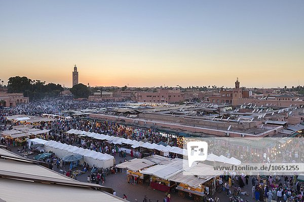Djemaa el Fnaa square at dusk  Marrakech  Morocco  Africa