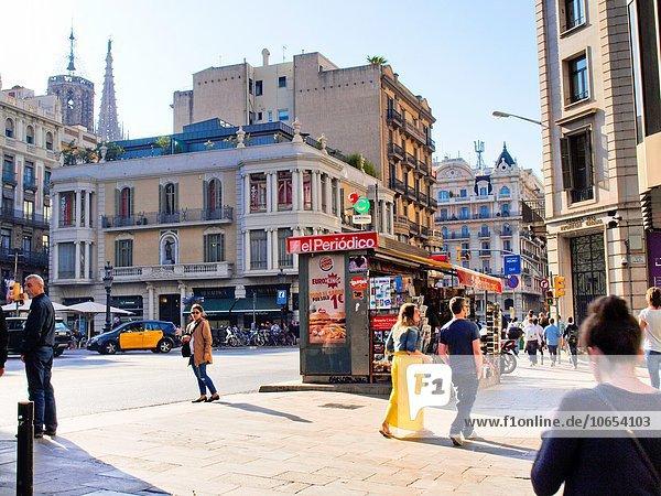 Fußgänger Barcelona Katalonien Kiosk Spanien