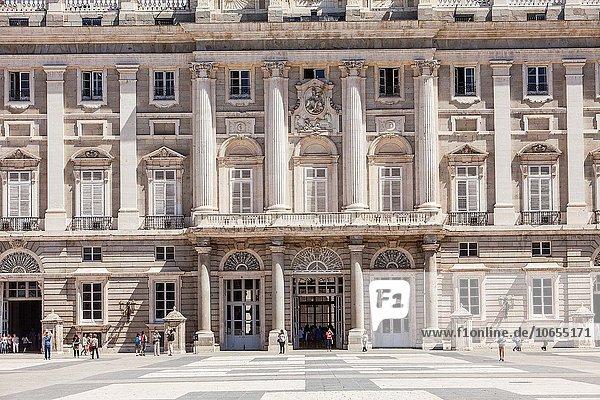 Madrid Hauptstadt Monarchie Palast Schloß Schlösser Spanien