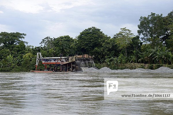Raft  illegal miners on River Andágueda  Chocó Department  Colombia  South America