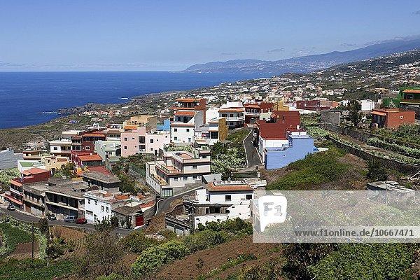 Ausblick auf Icod de los Vinos und die Nordküste  Teneriffa  Kanarische Inseln  Spanien  Europa