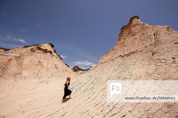 nahe Europa Frau Geologie Anordnung Dorf Kreta Griechenland Griechische Inseln