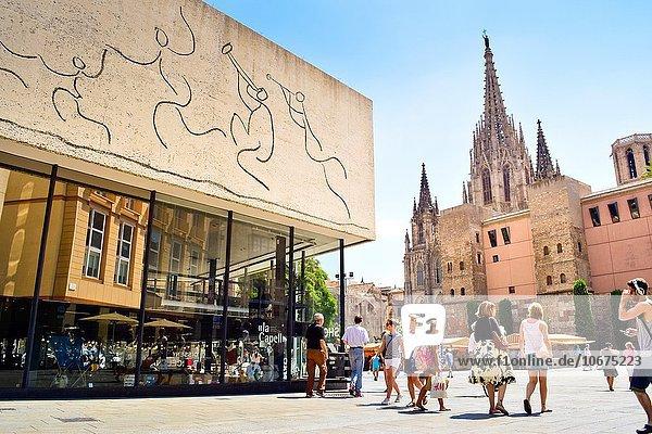 überqueren Architekt Kathedrale Heiligtum Design Heiligkeit Barcelona Katalonien Kreuz Spanien