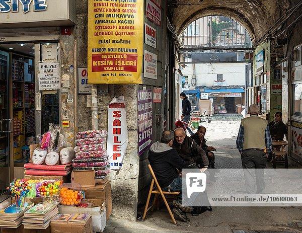 Messestand nahe Eingang Laden Ägypten Basar Istanbul Markt Gewürz Tee Türkei