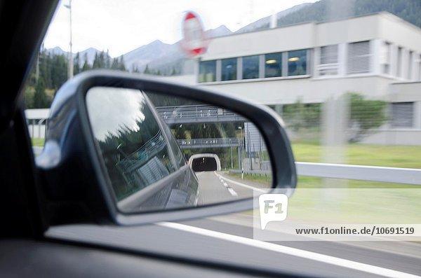 sehen Tunnel Rückspiegel Spiegel Schweiz