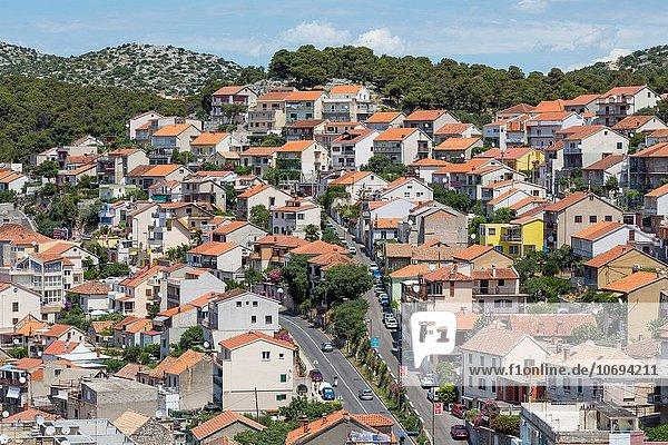 Blaumann Arbeitsanzug Stadt Ansicht Kroatien Dalmatien Overall Sibenik
