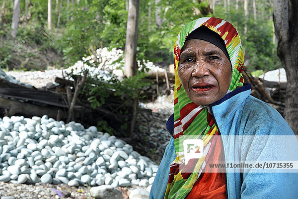 Indonesia  Flores island  old woman
