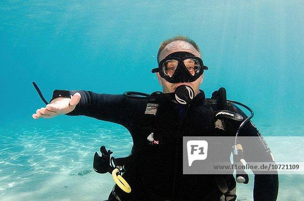 offen Unterwasseraufnahme unter Wasser Zeichen Taucher Trennung Sprache Achse Signal