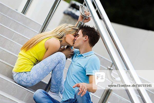 Jugendlicher Fotografie Junge - Person küssen Straße Mädchen passioniert Fond