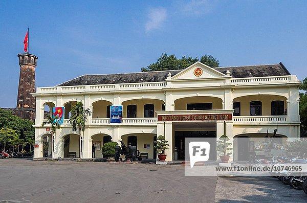 Hanoi Hauptstadt Geschichte Museum Fahne Militär Vietnam