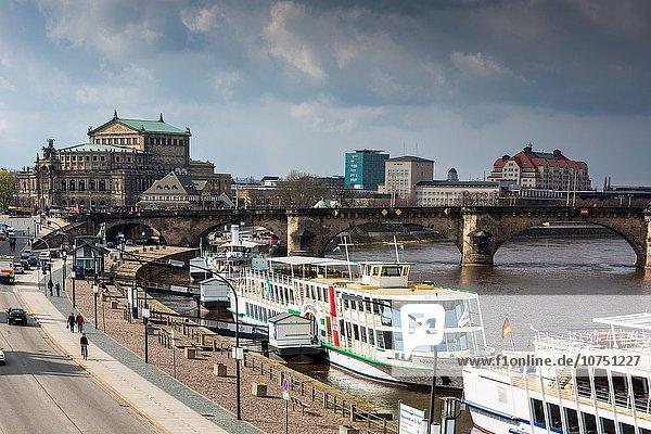 Europa Schönheit Reise Boot Fluss Fokus auf den Vordergrund Fokus auf dem Vordergrund Dresden Deutschland Sachsen