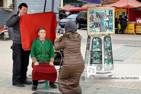 Frau nehmen Stadt Fotografie China Geographie Identität alt