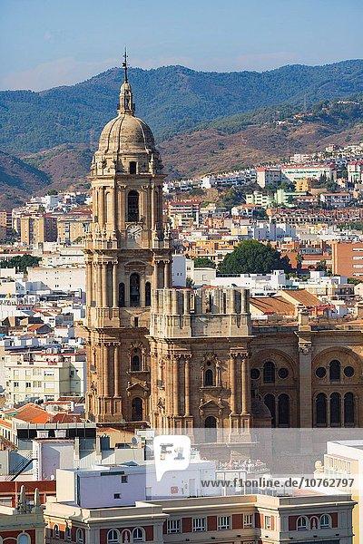 hoch oben zeigen Großstadt Kathedrale Kirchturm Ansicht 1 bauen Süden Andalusien Malaga