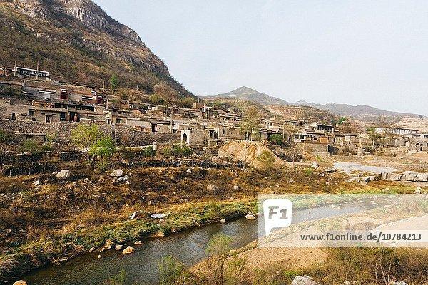 Armut arm arme armes armer Bedürftigkeit bedürftig Berg Ländliches Motiv ländliche Motive chinesisch Ansicht China