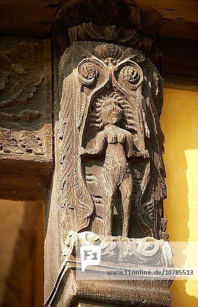 Mittelalter Wohnhaus Herrenhaus Holz schnitzen Eingang bauen befestigen England Abend Shropshire