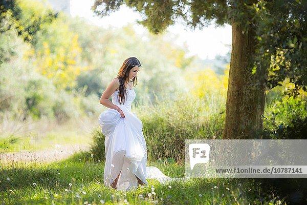 Braut jung Ausreißer