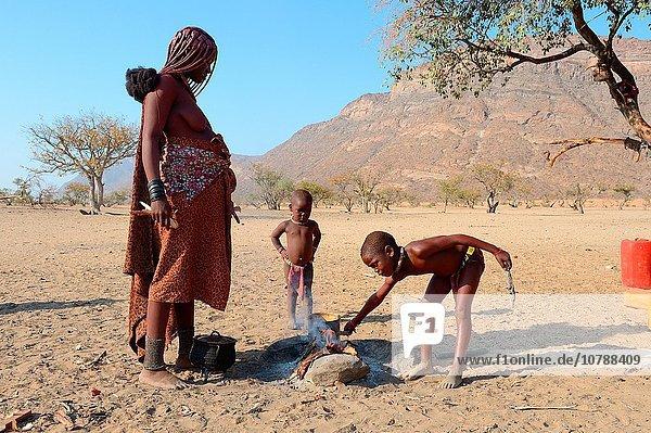 kochen Feuer Namibia Mädchen Mutter - Mensch Start